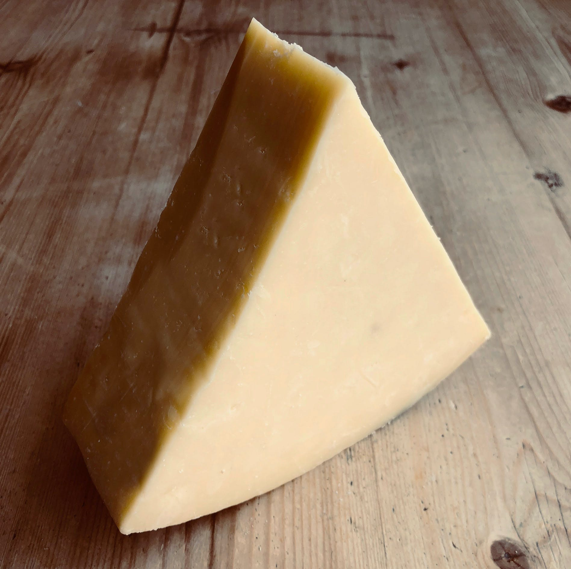QUICKES-CHEDDAR-WEDGE