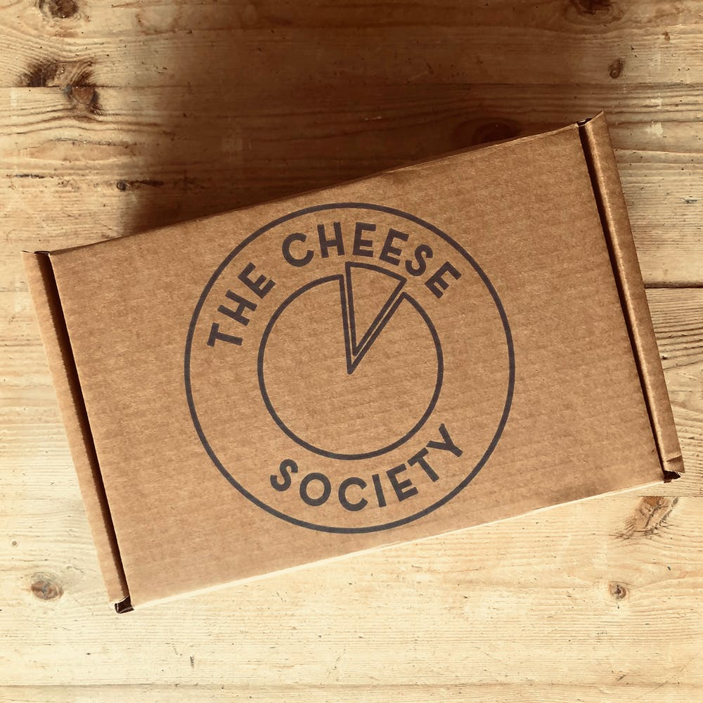 CLOSED-CHEESE-BOX-DELIVERY