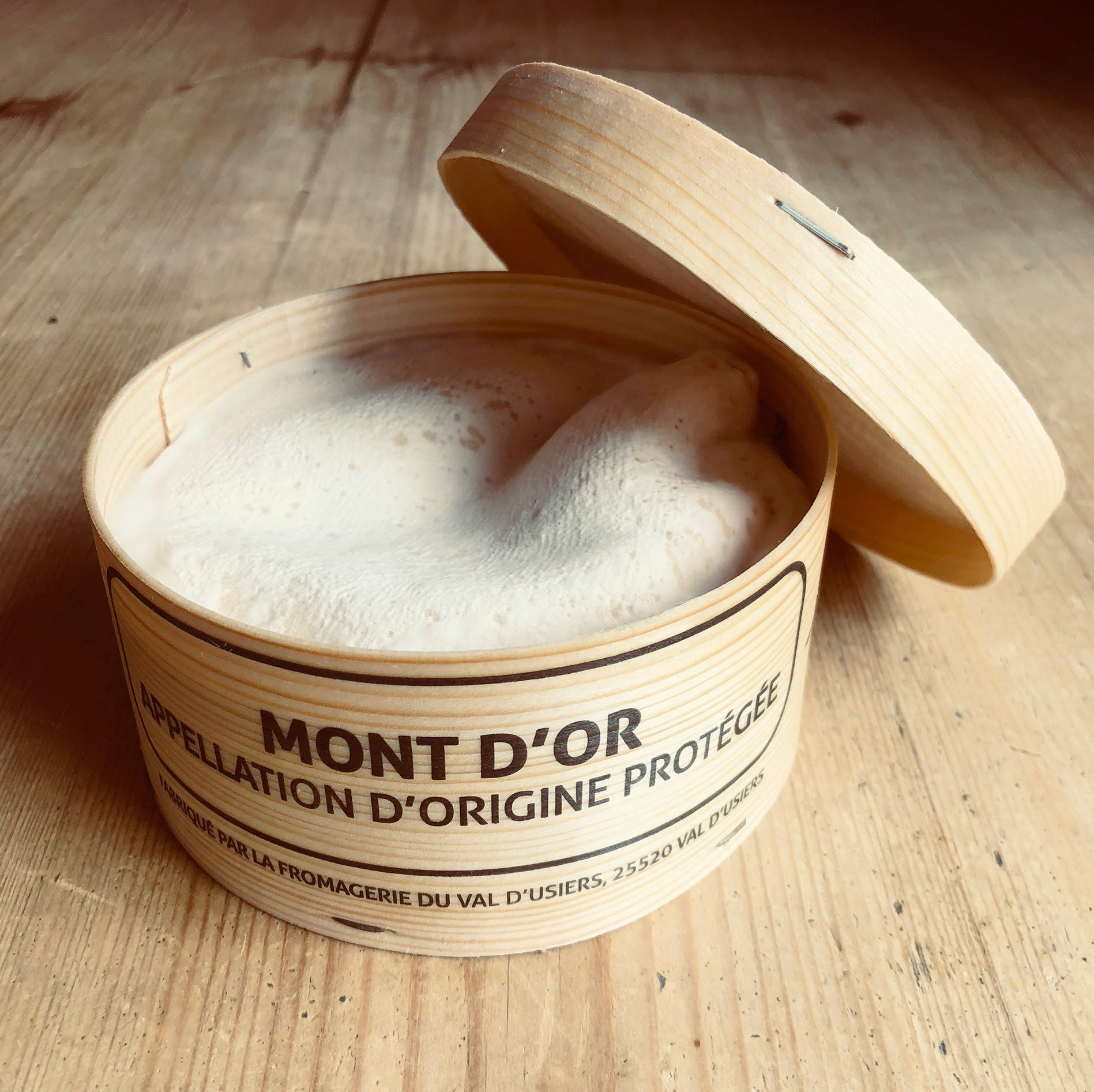 VACHERIN-MONT-DOR-SIDE