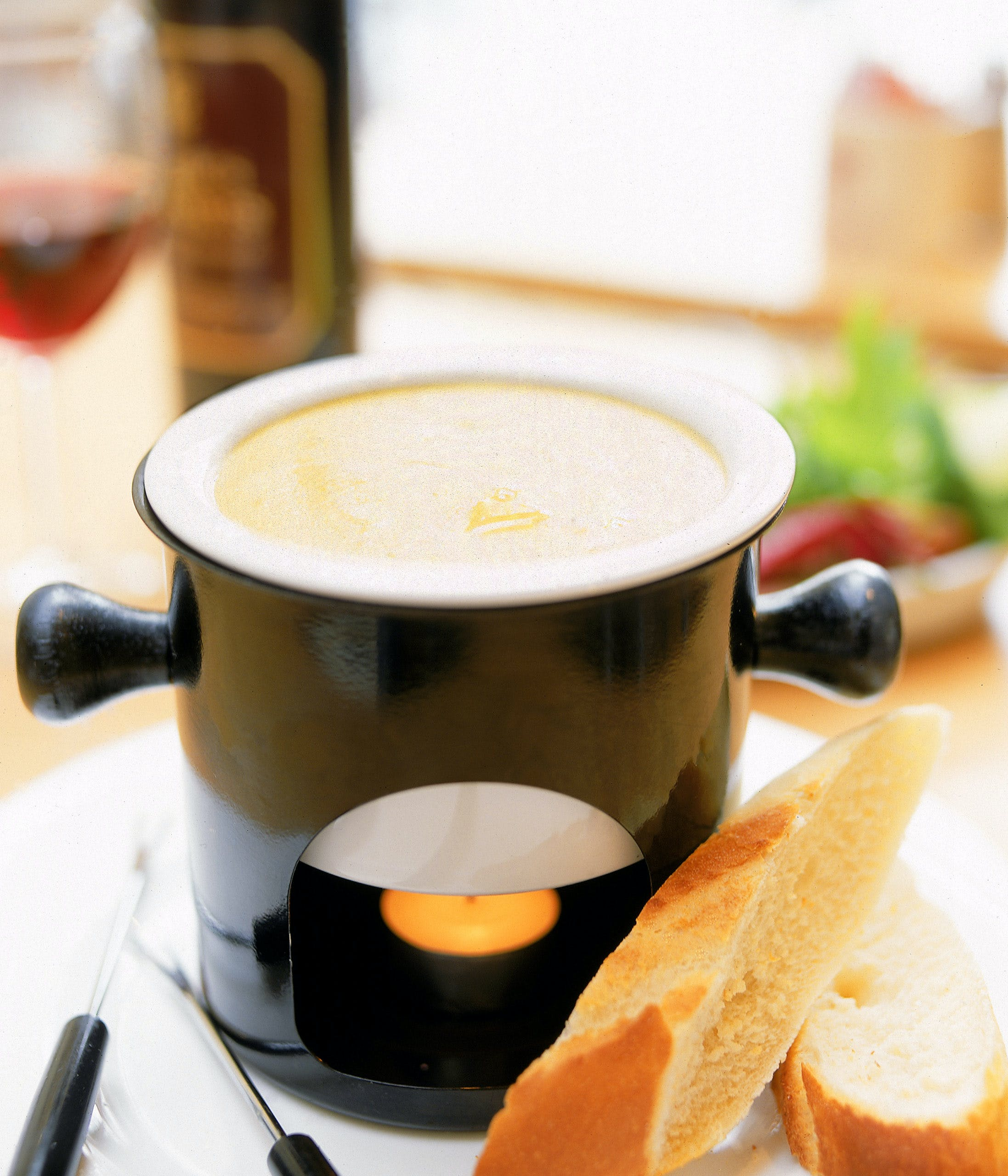 How to Make a Cheese Fondue Without a Fondue Pot