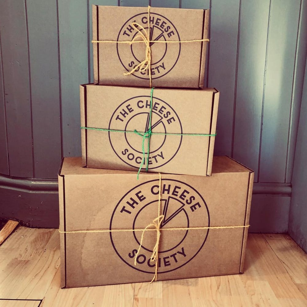 DIFFERENT SIZE CHEESE DELIVERY BOXES